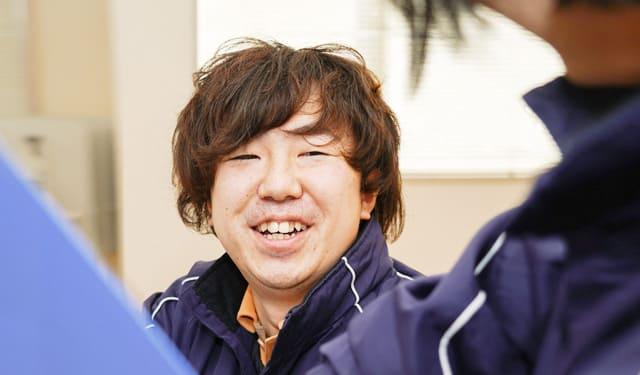 LACの自慢はなんと言ってもスタッフです!挨拶・笑顔・相談しやすい雰囲気にこだわります。